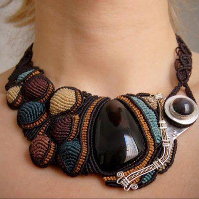 Gli spagnoli martin e ugne di arumi design realizzano gioielli e collane micro macrame con cavi - Collane di design ...