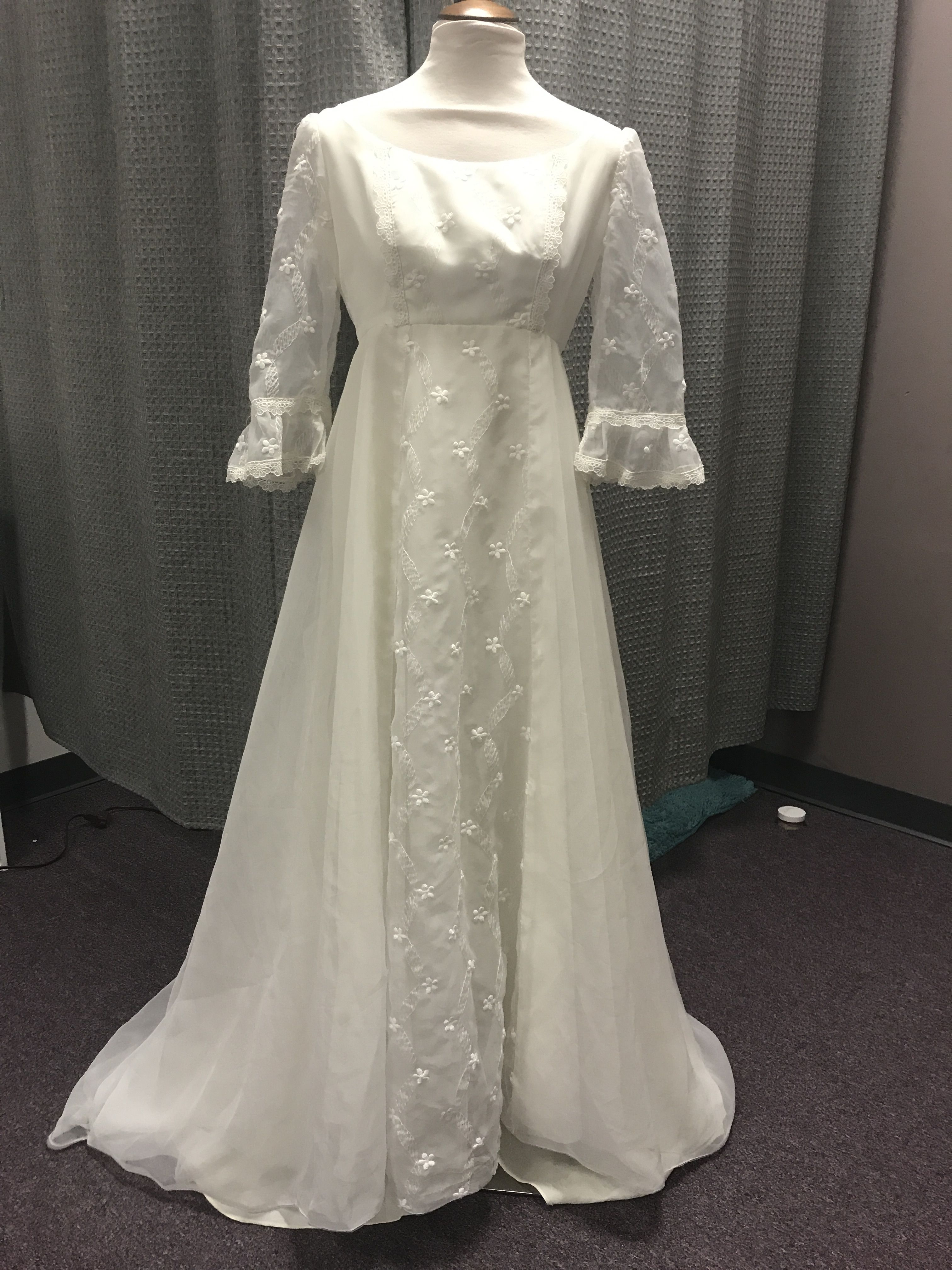 Restored And Restyled Boho Style Wedding Gown Boho Style Wedding Vintage Boho Wedding Wedding Gowns