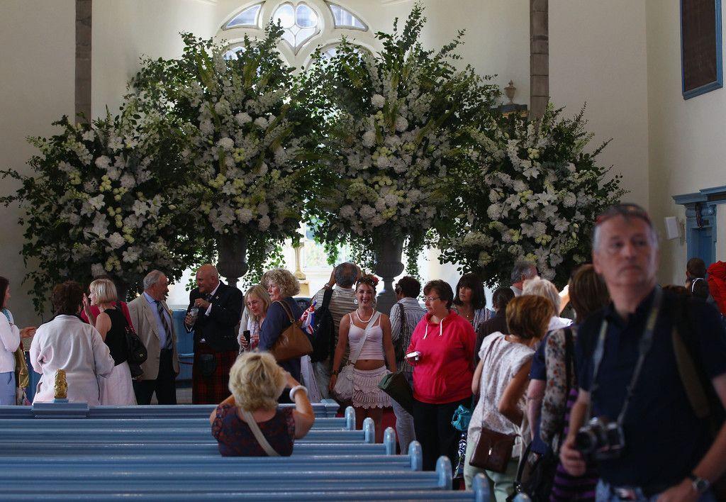 Zara Phillips Marries Mike Tindall In Edinburgh   Zara ...
