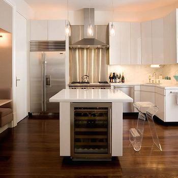M White Lacquer Kitchen Cabinets Fridge Next To Stove Dishwasher Next To Stove Jpg 350 350 Condo Kitchen Sleek Kitchen Loft Kitchen