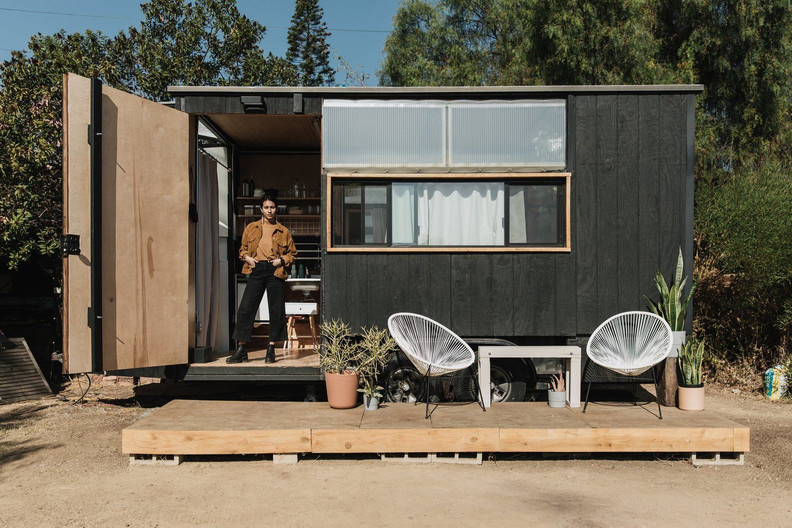 Here S What They Don T Tell You About Living In A Tiny House Tiny House Hotel House Designs Exterior Tiny House