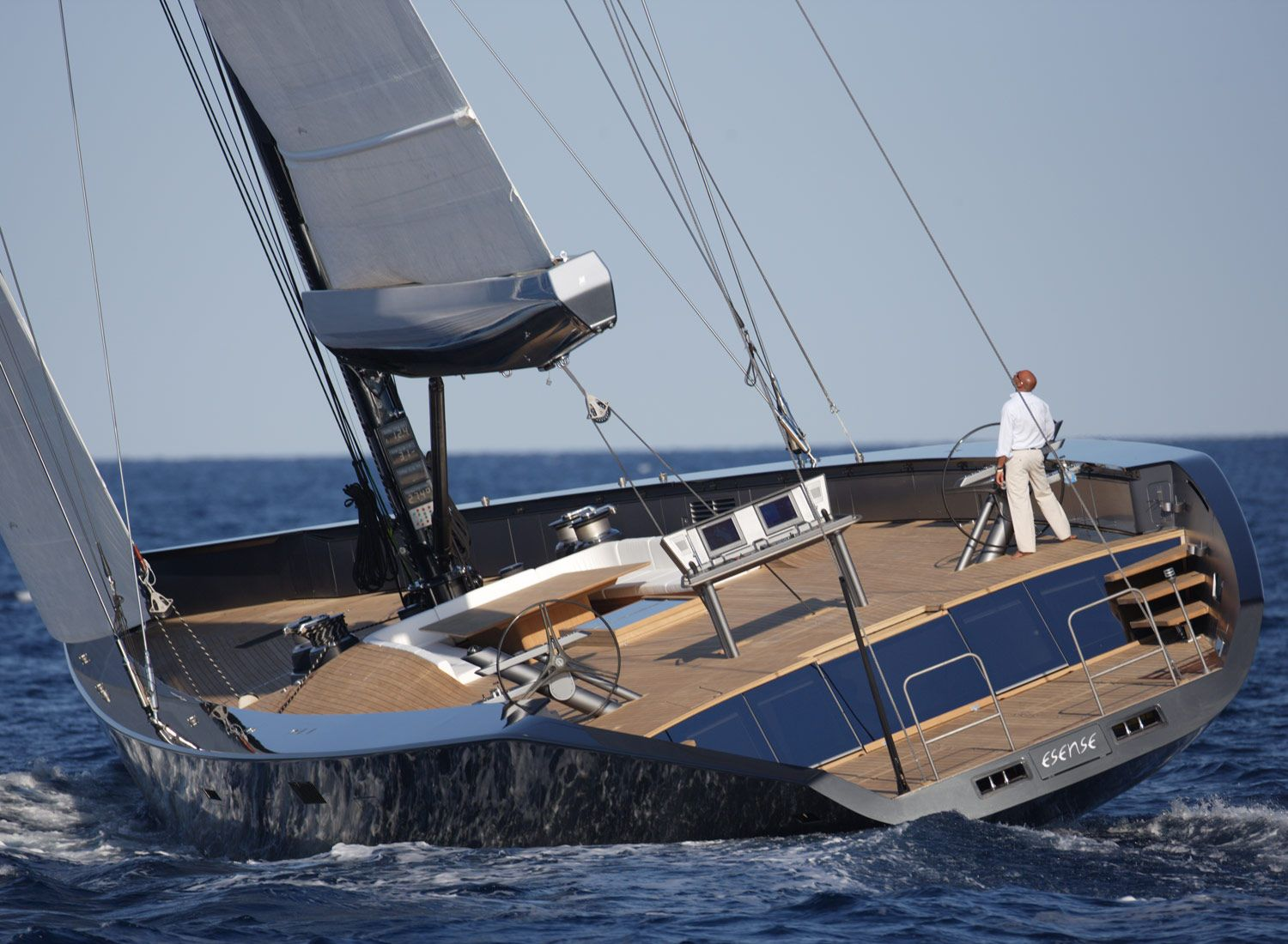 Fast cruising sailboat : luxury sailing-super-yacht (deck ...