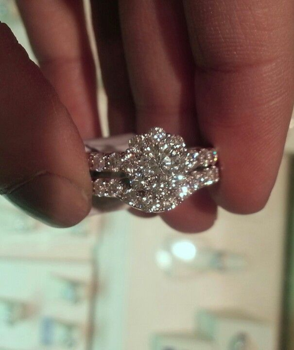 Leo 2 Ct Bridal Set From Kay Jewelers Kay Jewelers Engagement Rings Kay Jewelers Bridal Sets Moonstone Engagement Ring Set