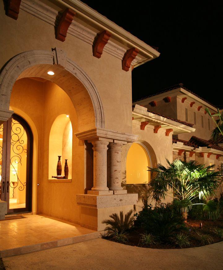 Casas Mansiones Rosario Conteras: Columnas Clásicas De Cantera Le Da Un Estilo Romano A La