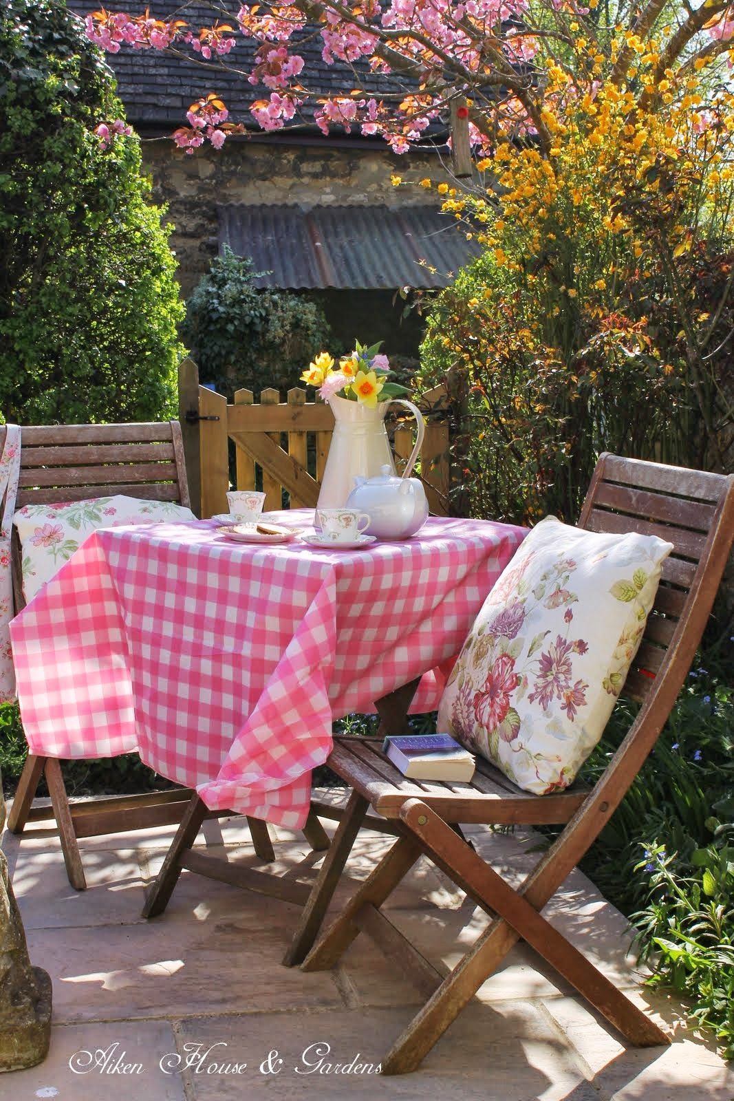 Pink Tea in the Cotswolds | Home and garden, Outdoor decor ...