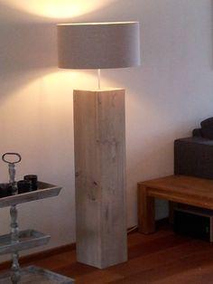 Zelf gemaakt, een lamp van steigerhout!