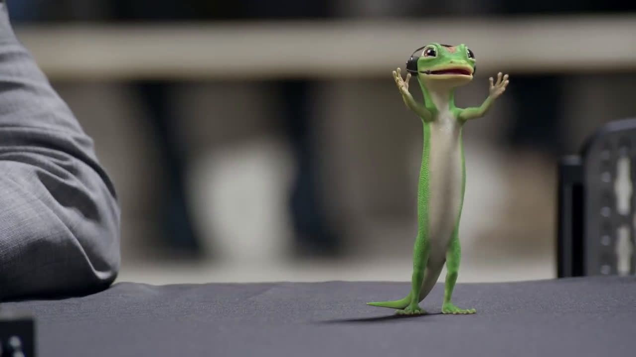 Geico The Gecko Cheers During His First Ncca Basketball Game