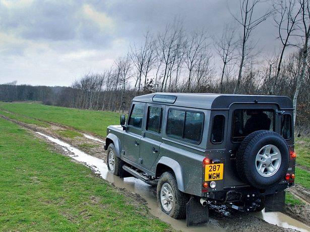 Land Rover Defender 110 Station Wagon (2007).