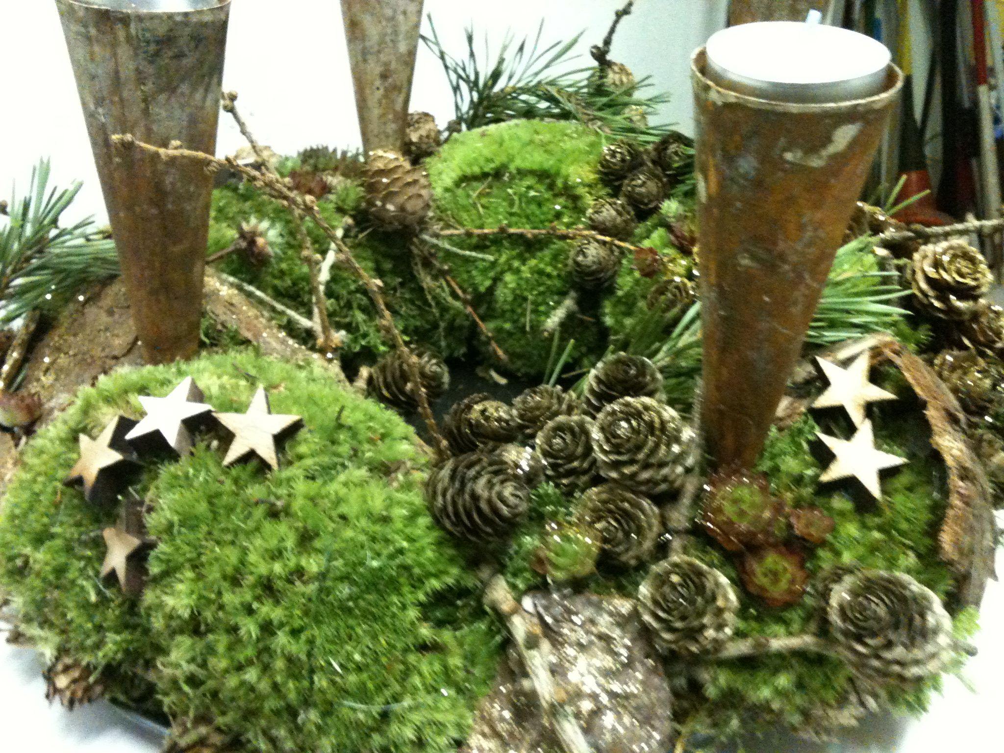 adventskranz adventliche floristik advent weihnachten. Black Bedroom Furniture Sets. Home Design Ideas