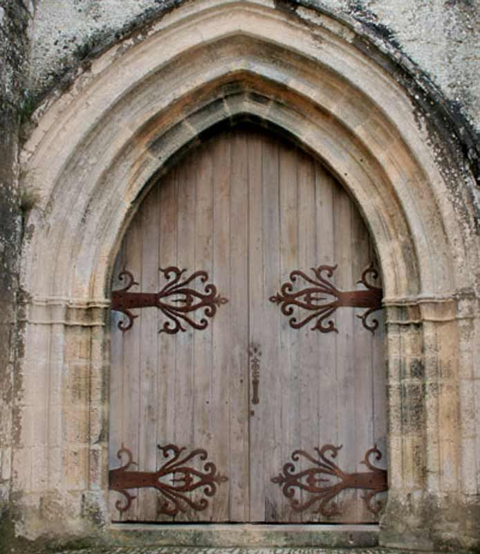 Wooden entrance castle door with decorative metal hinges & Wooden entrance castle door with decorative metal hinges | Until ... Pezcame.Com