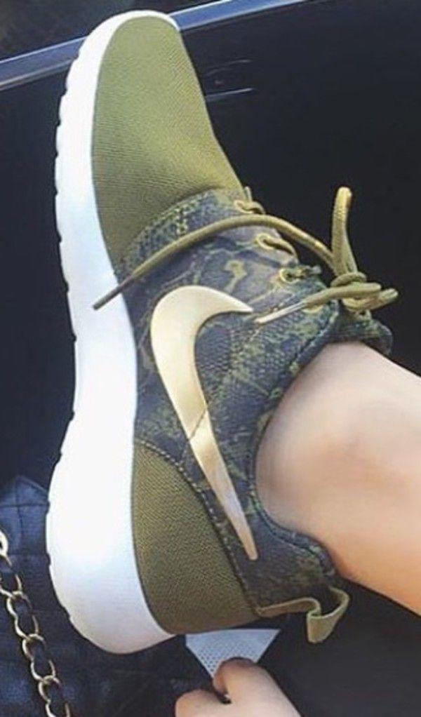 3b7ae3e18297 Nike Womens Roshe Rosherun Print Snake Black Green Olive Running ...
