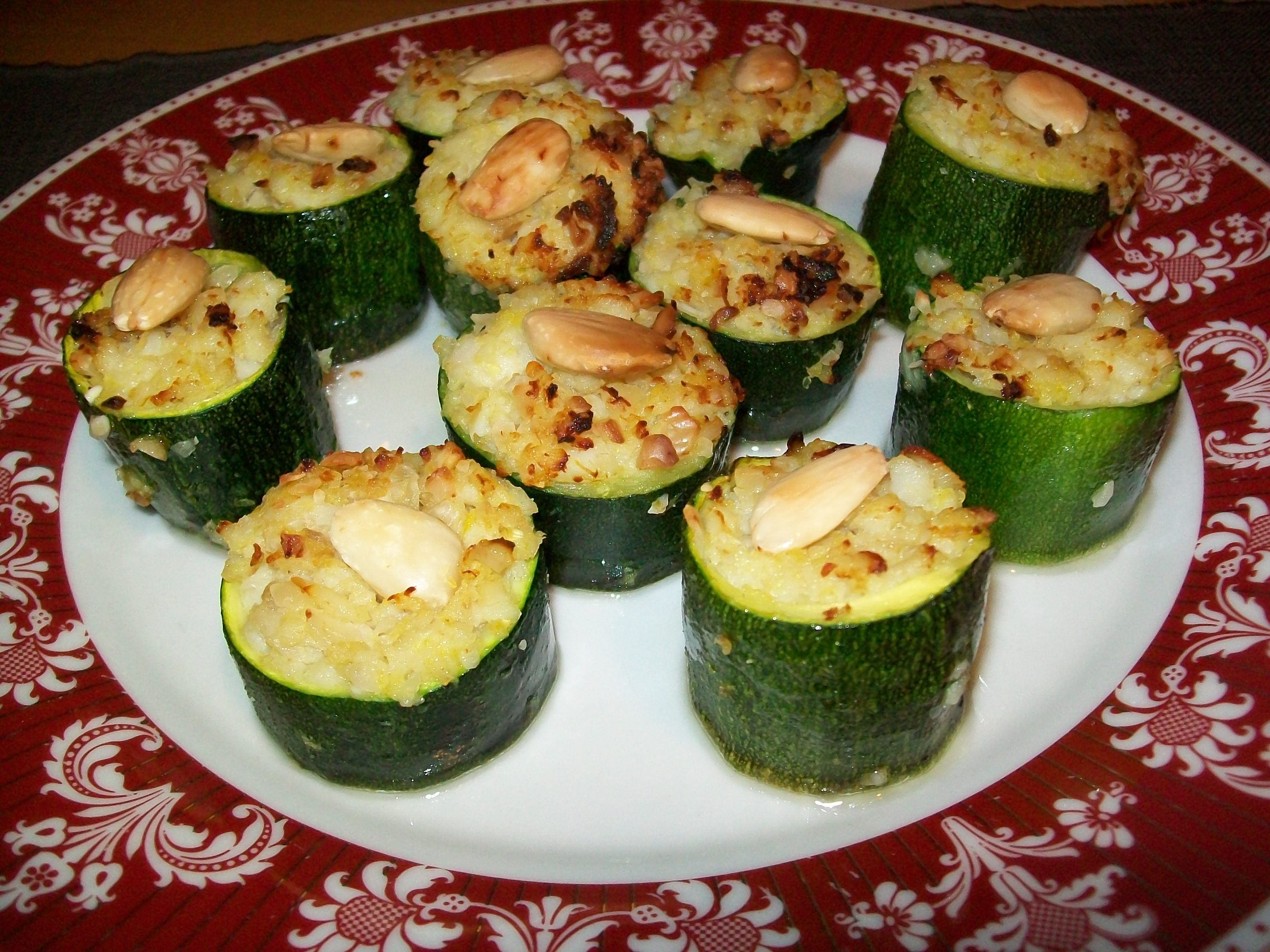 Zucchine a tronchetto ripiene di pesce, mandorle e zenzero ...