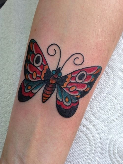 tatouage papillon tattoo 42 papillons and tattoos and body art. Black Bedroom Furniture Sets. Home Design Ideas