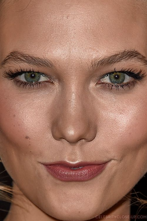Karlie Kloss Close Up Photo Celebrities In 2019 Close