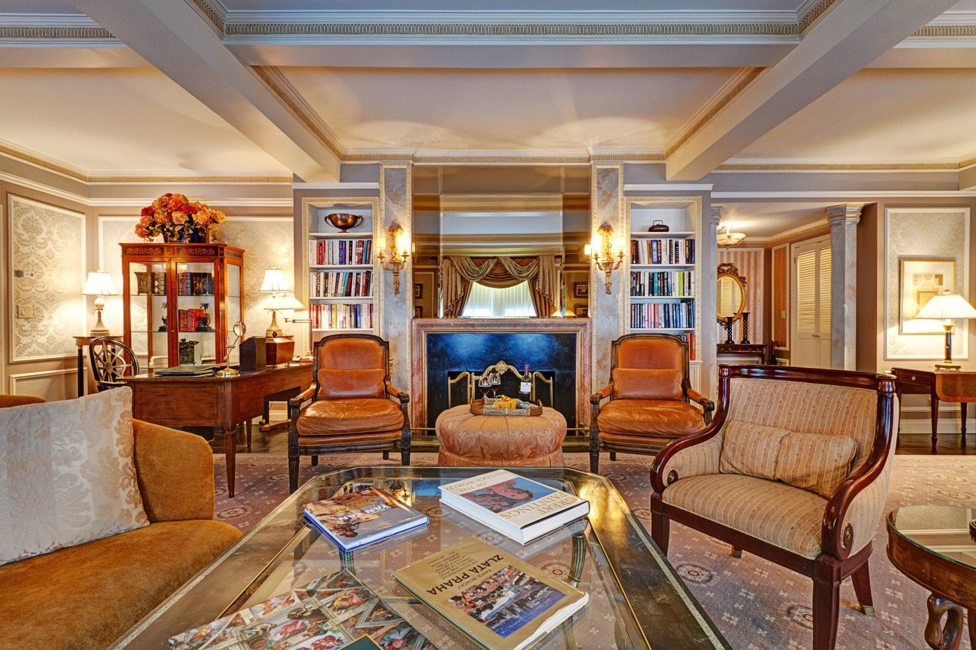 Royal Suite At Hotel Elysee New York City Midtown Manhattan Luxury Boutique Hotel Rooms And Suites In Nyc Boutique Hotel Room Library Hotel Hotel Collection
