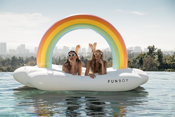On cloud 9 - amazing new pool floats