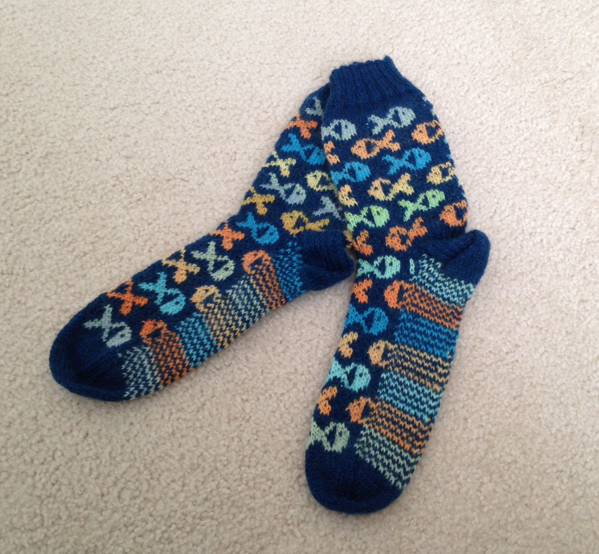 A better pic of my adorable FISH SOCKS!