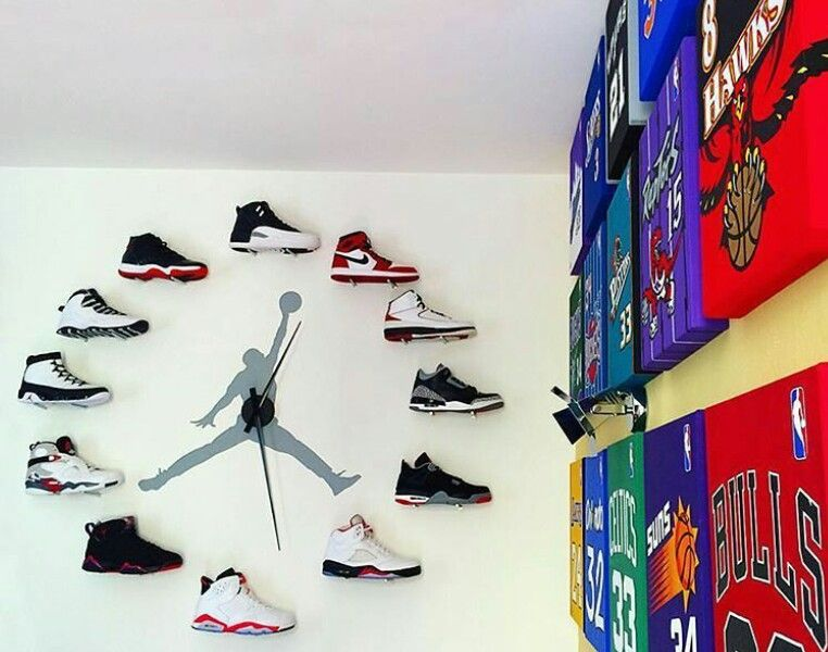 Pin by Mr. Cole on shoes | Sneakerhead room, Shoe room ...