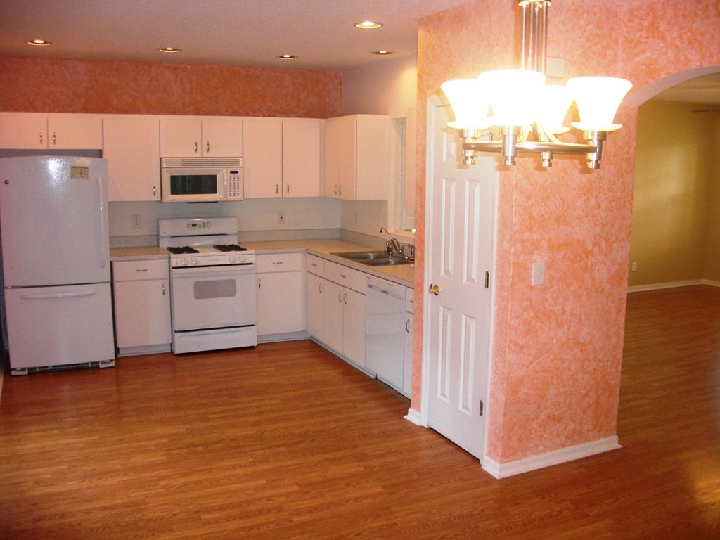 House for lease! Kitchen at 636 Wave Crest in Valrico, FL ...