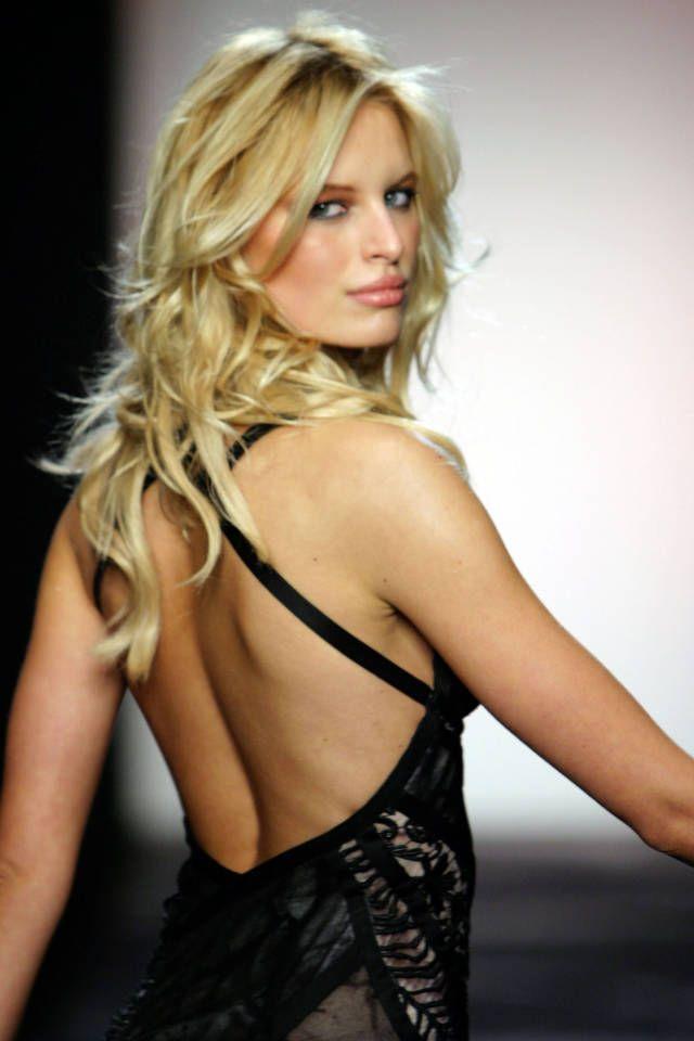 33 models who have perfected the runway stare: Karolina Kurkova