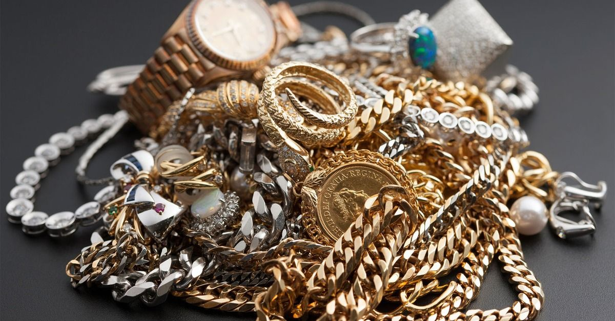 If You Inherit A Bunch Of Jewelry Don T Brag About It On Facebook Sell Gold Jewelry Stores Jewelry
