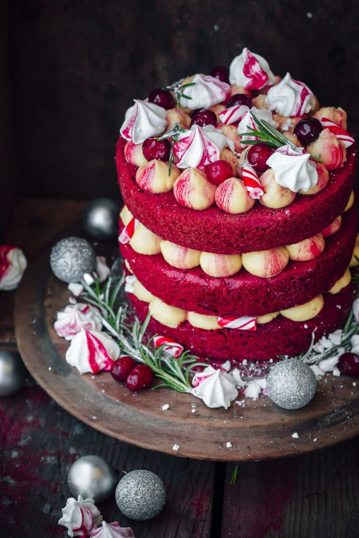 Red velvet cake with red swirl meringues kisses (use beet juice ...