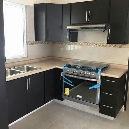 Pin de igra herrajes en jaladera de barra hueca en 2019 for Disenos de cocinas integrales para casas pequenas