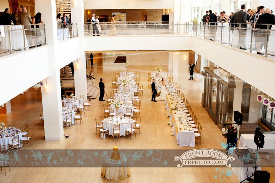 Front Room Presents Cie Alex S Madison Wedding Photography At Overture Center For The Arts