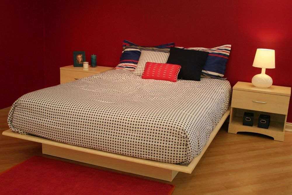 Queen size Modern Wood Platform Bed Frame in Natural Maple