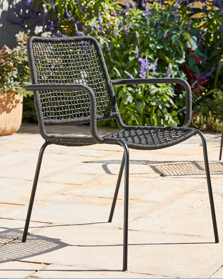 Chaise de jardin métal Blooma Oberon noir | Mobilier jardin ...