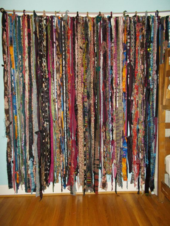 Charmant GYPSY BOHO Free Spirited Fabric Yarn Bead Garland Banner Room