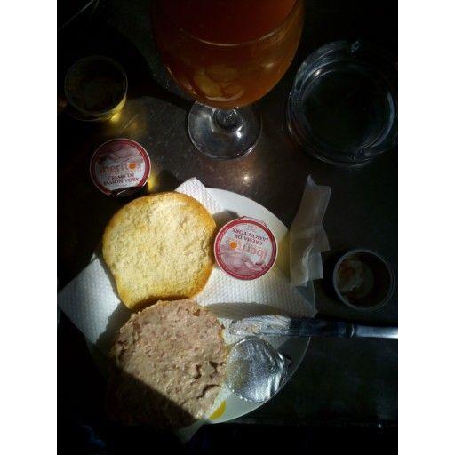 Rico rico, desayuno completo  #elrinconcitodenuria #breakfast #desayuno #bread #pan #healthyfood #healthy #juice #orange
