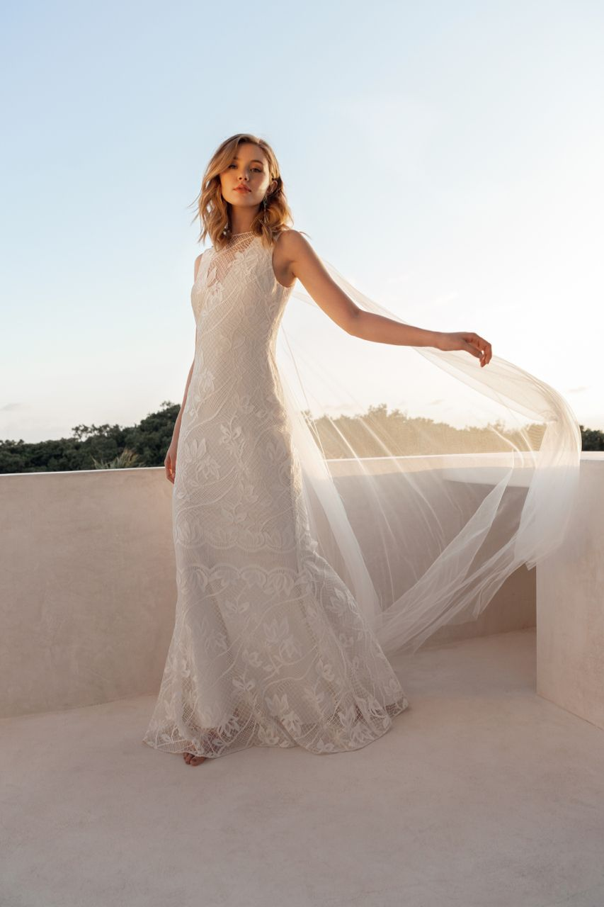 Paradise Gown Fitted Lace Wedding Dress Consignment Wedding Dresses Wedding Dresses Lace