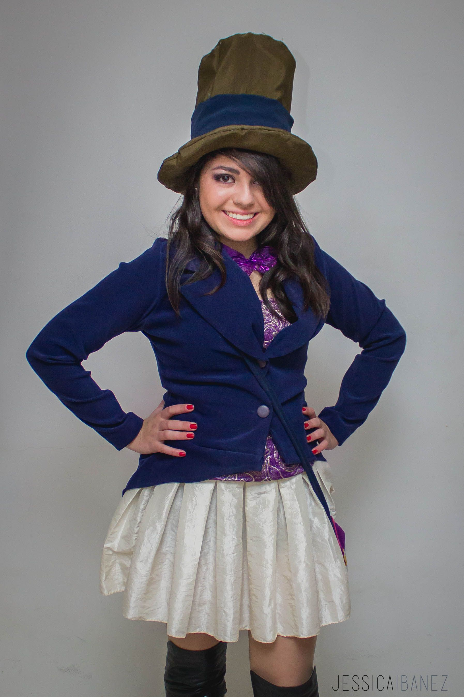 Willy Wonka Costume Woman. Hollowee