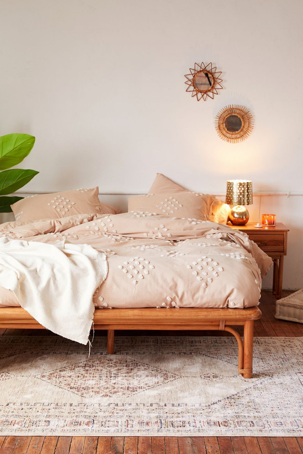 Tufted Geo Duvet Cover | Urban Outfitters in 2020 ...