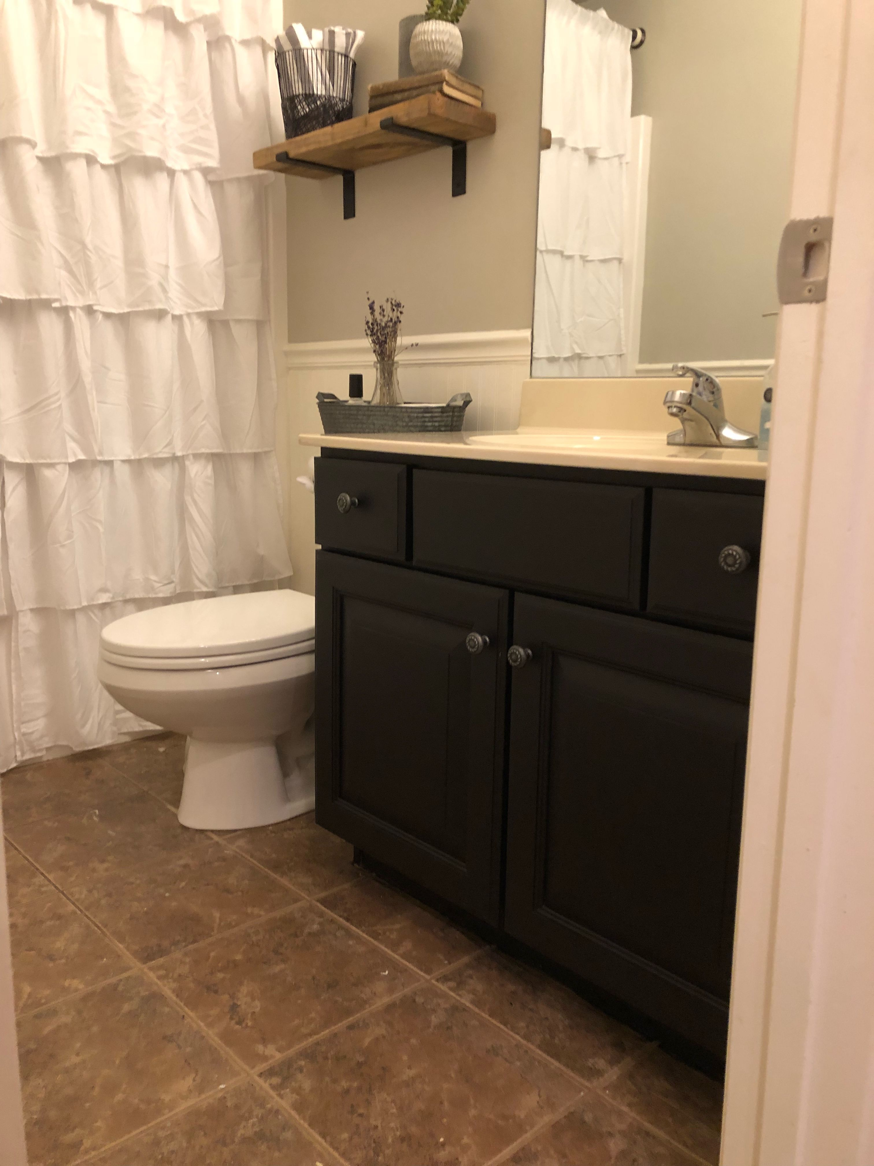 Paint Your Bathroom Cabinet For A Cheap And Easy Diy 100 Room Challenge Week 3 Bathroom Cabinets Designs Bathroom Cabinets Diy Painting Bathroom Cabinets [ 4032 x 3024 Pixel ]