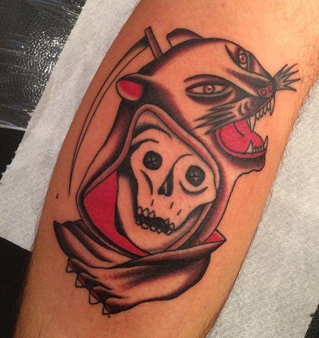 Finish now this one @marcosergiampietri_tattooer studio grazie Lorenzo!!! #flaviocannata #traditional #tattoo #sestrilevante #traditionaltattoo