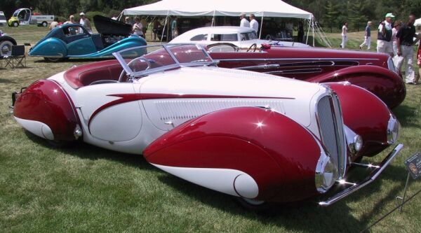 Strange Olde Classic Automobiles 1939 Delahaye 135m