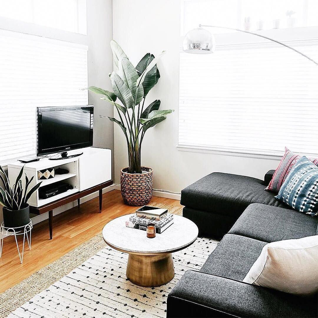 lyzrush s living room is proof that even a small space can be rh pinterest ca