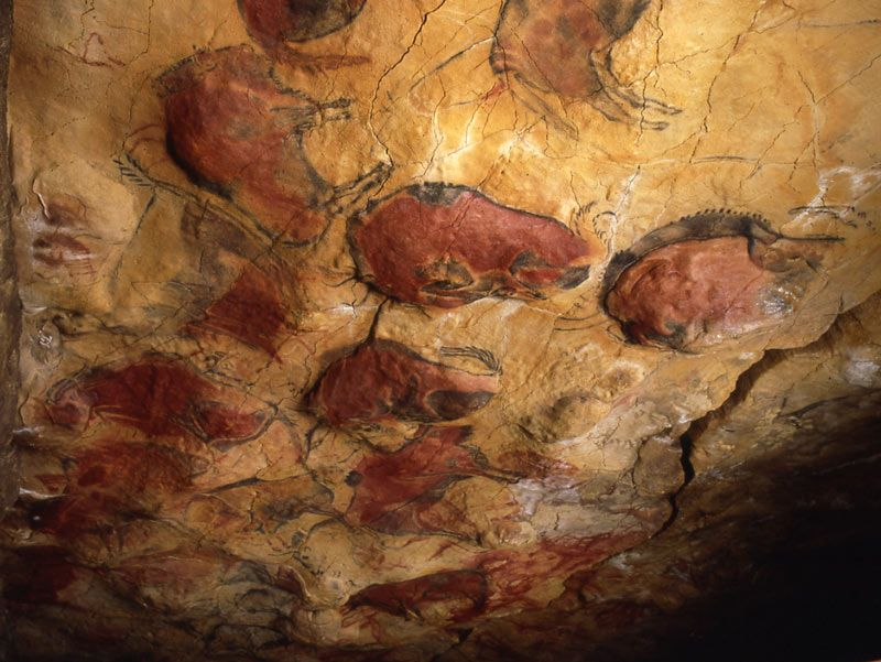 paleolithic cave art essays Paleolithic cave paintings essays paleolithic art, was produced from about 32,000 to 11,000 years ago, which is during the stone age it is characterized by two main.