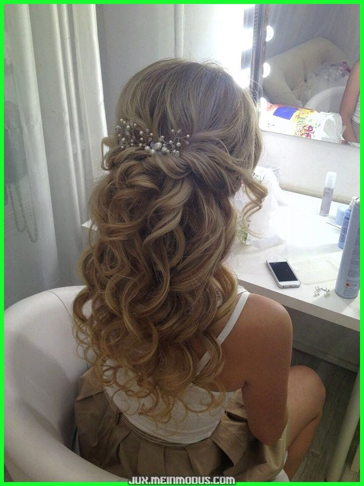 Espectacular maquillaje y cabello de Elstile / elstile.ru