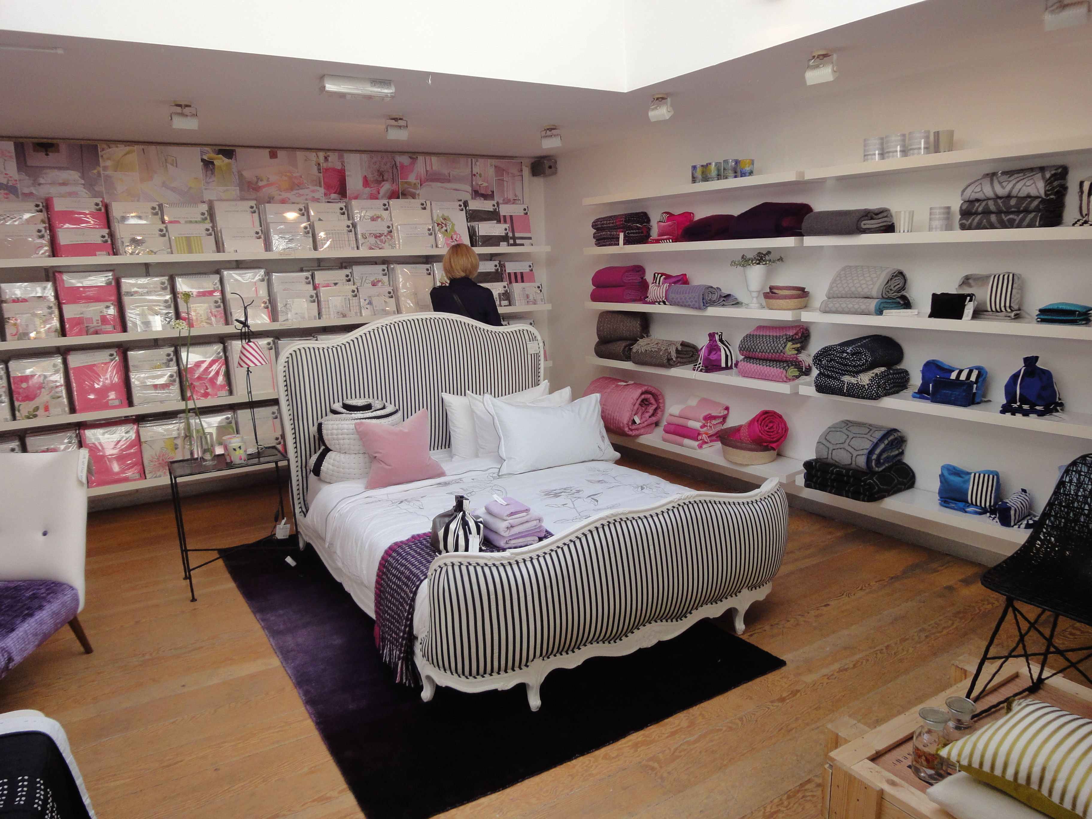 Home Accessories In The Designers Guild Showroom Kings Road Chelsea, London. Part 43