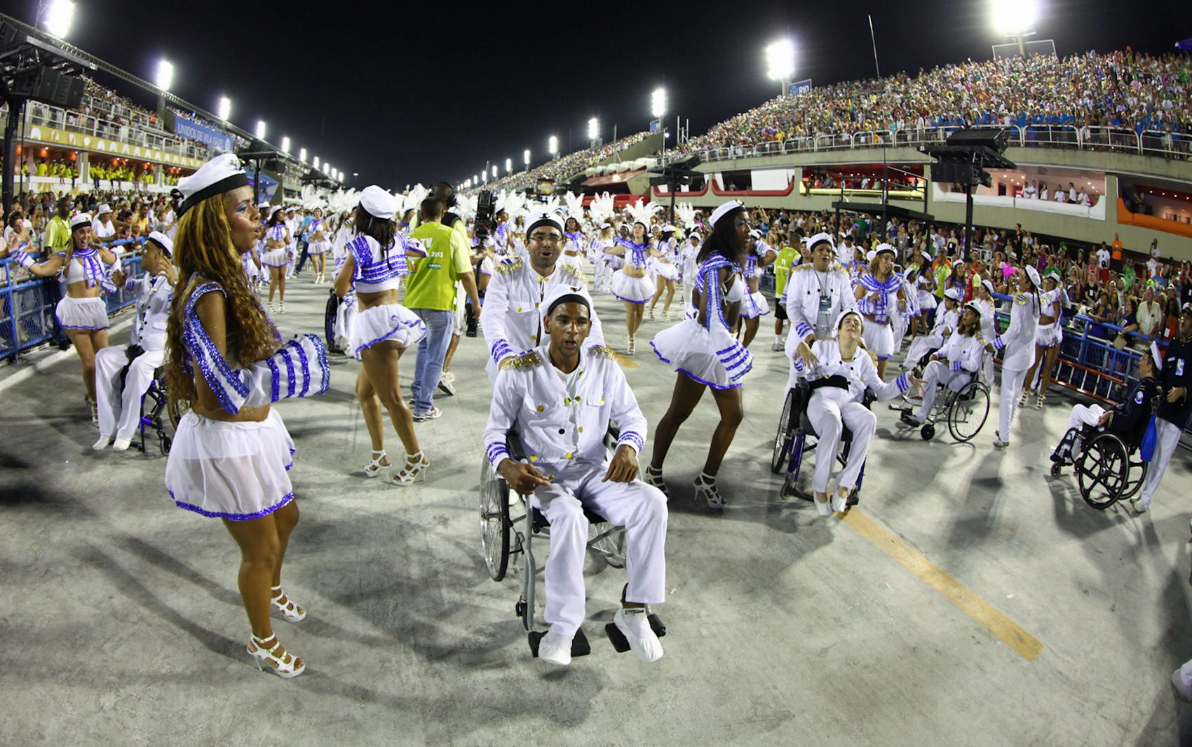 Rio de Janeiro 2013 - Tradição teve ala para cadeirantes e pessoas com deficiência.