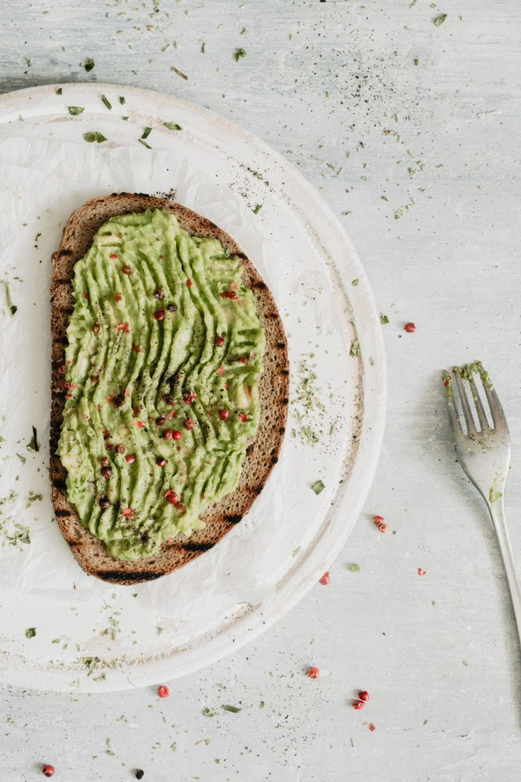 Healthy avocado toast   - My board / Healthy Little Cravings pins -