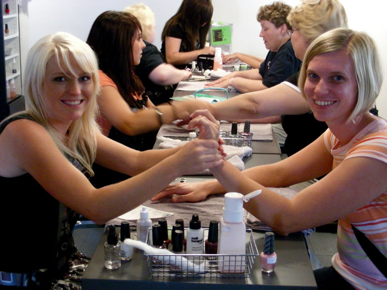 How to Dress for Cosmetology School: Look the Part With Proper ...