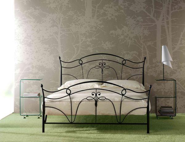 Letto in ferro battuto gioele cod csgioe marca gioele letto in ferro battuto completo di for Testiera letto ferro battuto