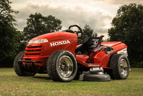 World S Fastest Lawnmower Seriously Built By Honda Tractors Riding Mower Lawn Tractor