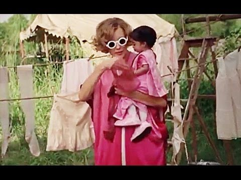 Video Freak Show Extra Ordinary Artists Jyoti Amge As Ma Petite