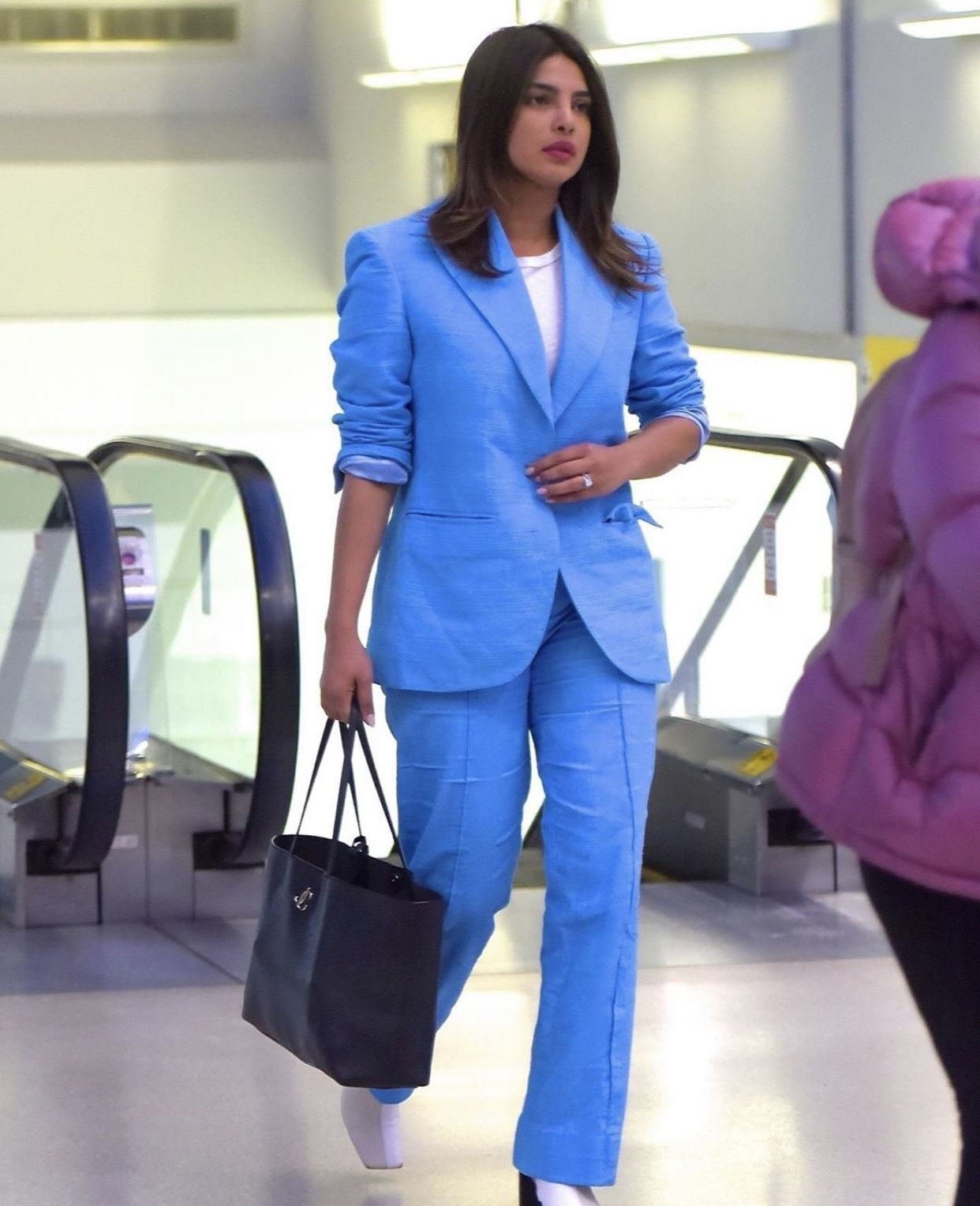 Pin by 퀸 ♏️ on Priyanka chopra ️ in 2020 Blue linen suit
