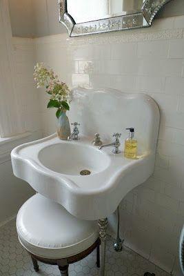 Love This Little Sink Vintage Bathroom Vintage Bathroom Sinks Bathroom Vanity Remodel